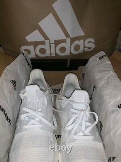 Adidas Ultra Boost 19 SIZE 8.5 MEN WHITE NEW IN BOX