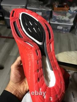 Adidas Ultra Boost 21 Taille Homme 13 Rouge 180 $ Avec Boîte